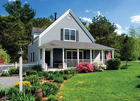 Elm Grove D5D Siding in Harbor Blue